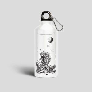 бяла метална бутилка черно море