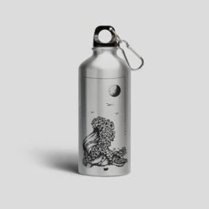 метална бутилка черно море