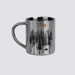 метална чаша за планината
