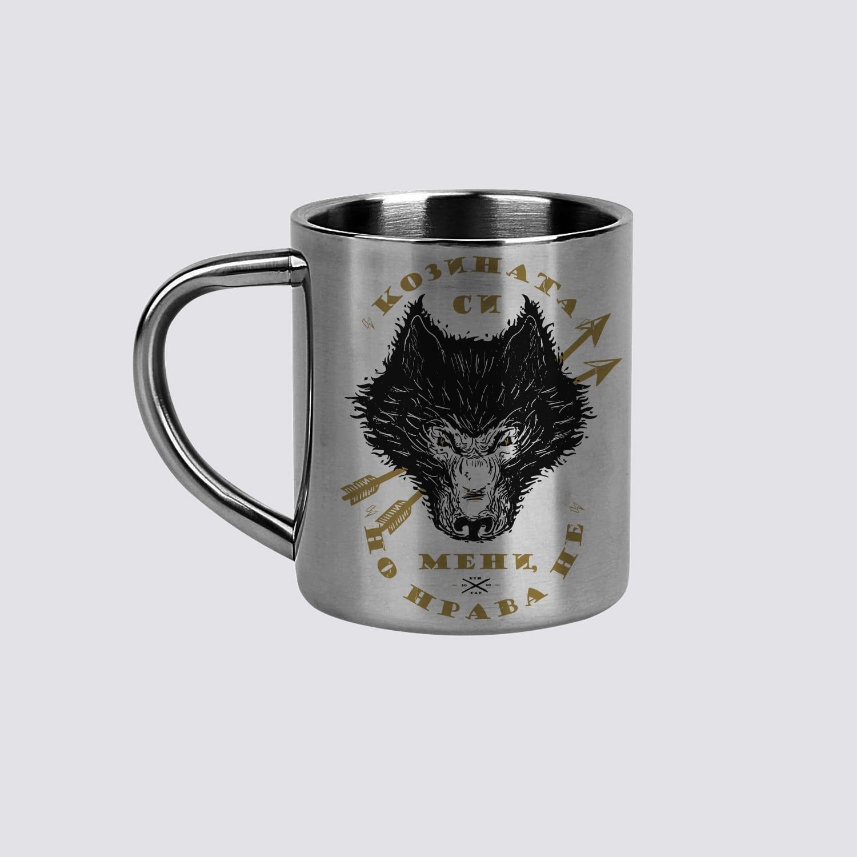 метални чаши с вълк